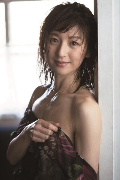吉本新喜劇の美女・高橋靖子(51)が週刊ポストで大胆グラビア挑戦