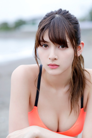 <10等身ハーフモデル>アンジェラ芽衣「ひきこもりのニート」から芸能界へ…デビューのきっかけは?