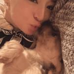 浜崎あゆみ、愛犬とのキス顔