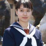 セーラー服姿の戸田恵梨香