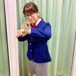 コナンのコスプレをした尾崎里紗